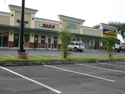 Parking Lot and Exterior at Apopka Plaza Retail