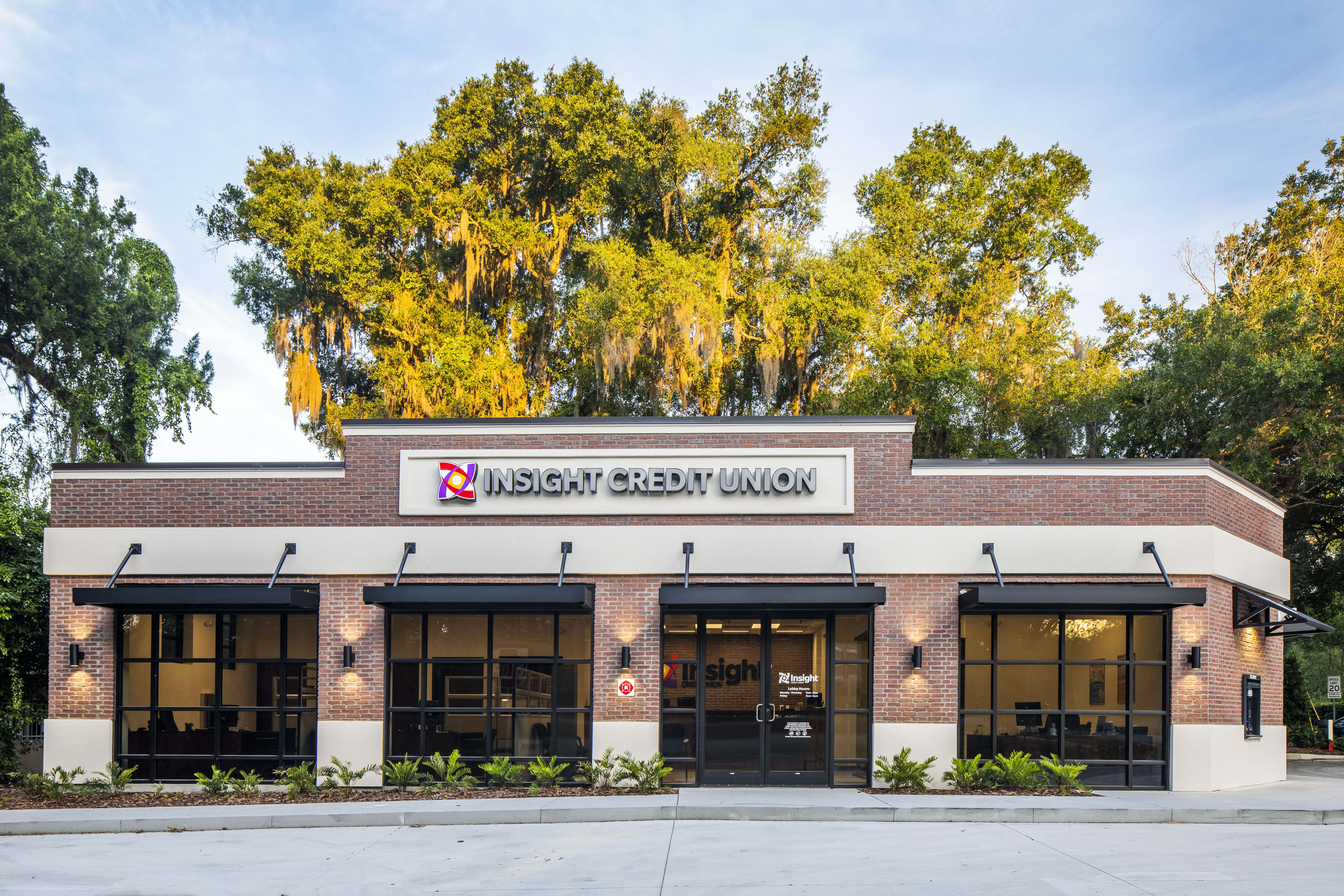 Insight Credit Union Front View