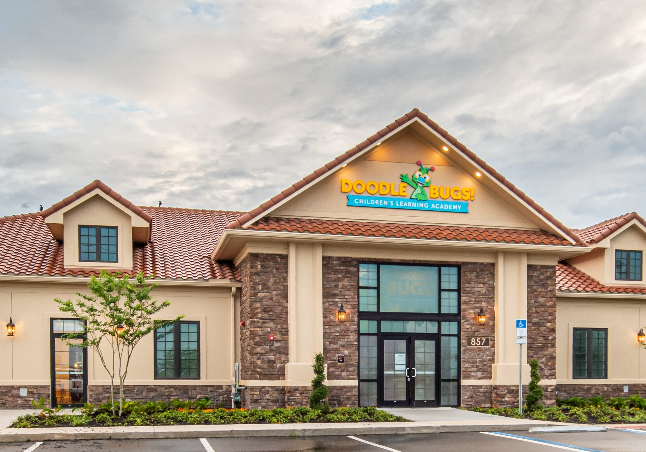 Located in Oviedo, FL- AGC recently completed construction on the latest Doodle Bugs! Early Learning Center.  This 13,000 sq ft ground up construction project included many intricate interior finishes, exterior playgrounds and a swimming pool.